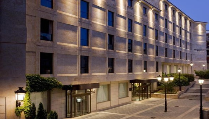 Ref-Hotel